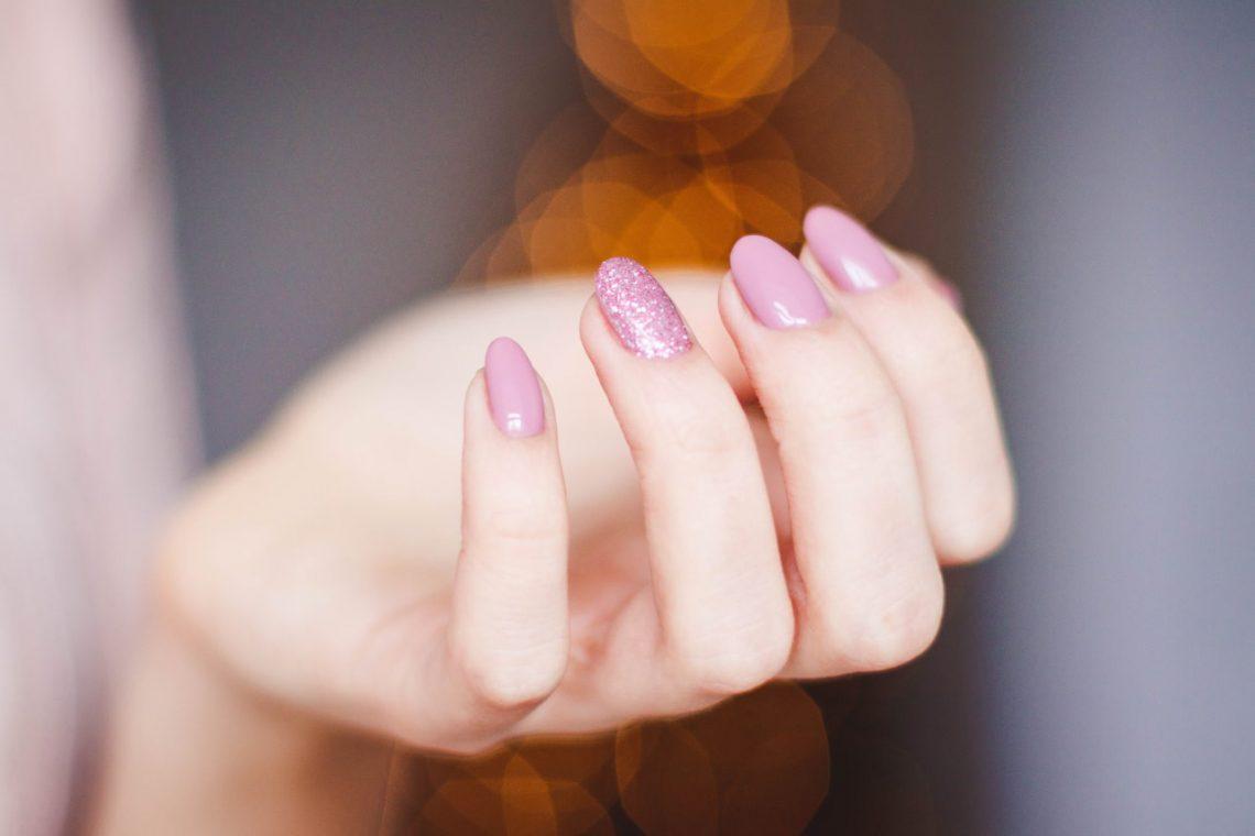 pielegnacji paznokci